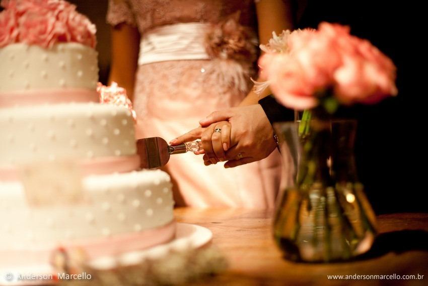 Restaurante Porcão, casamento niterói, Elisa e Patrícia, EP Cerimonial, Raphaello Mazzei, Fabiana, eduardo, Mini Wedding, RJ, mini casamento, corte do bolo casamento