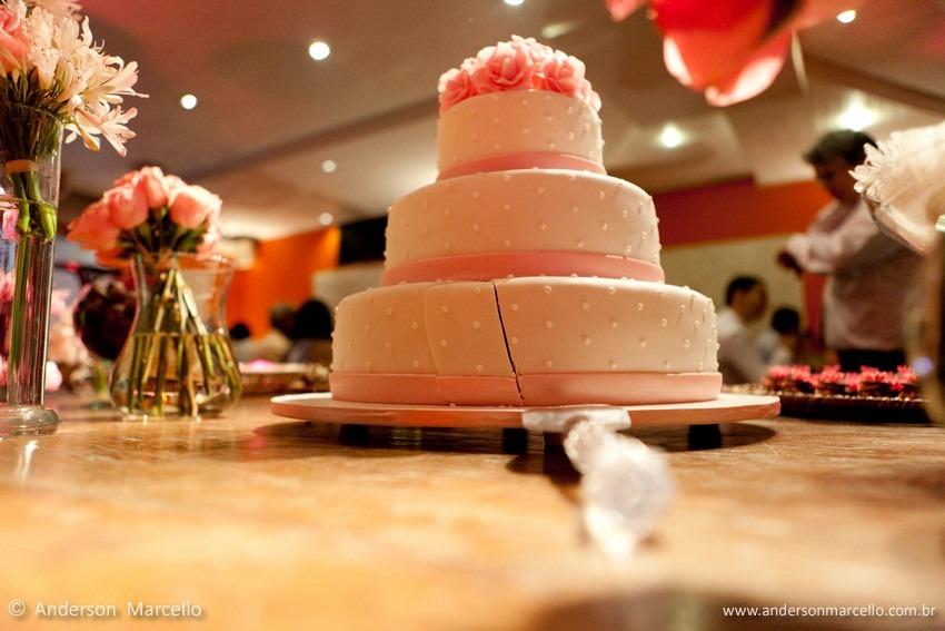 Restaurante Porcão, casamento niterói, Elisa e Patrícia, EP Cerimonial, Raphaello Mazzei, Fabiana, eduardo, Mini Wedding, RJ, mini casamento, foto bolo cortado