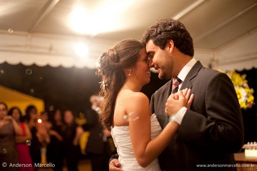 dança noivos bolinha de sabão